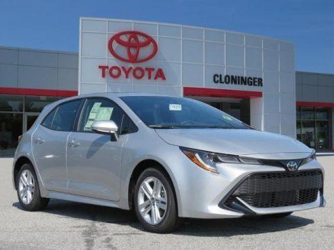 Classic Silver Metallic 2019 Toyota Corolla Hatchback SE