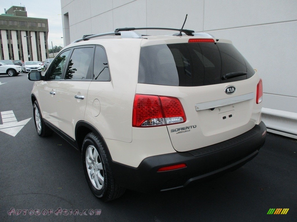 2011 Sorento LX - White Sand Beige / Beige photo #3