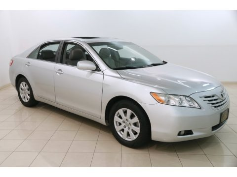 Classic Silver Metallic 2009 Toyota Camry XLE