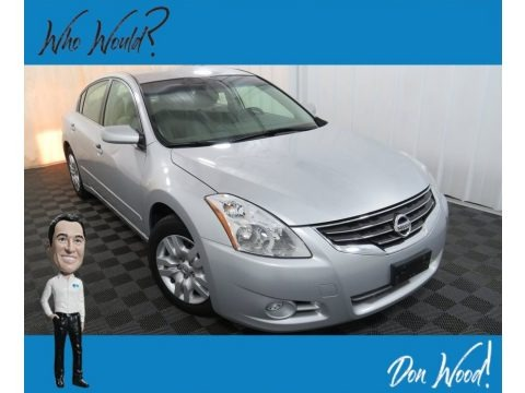 Radiant Silver 2010 Nissan Altima 2.5 S