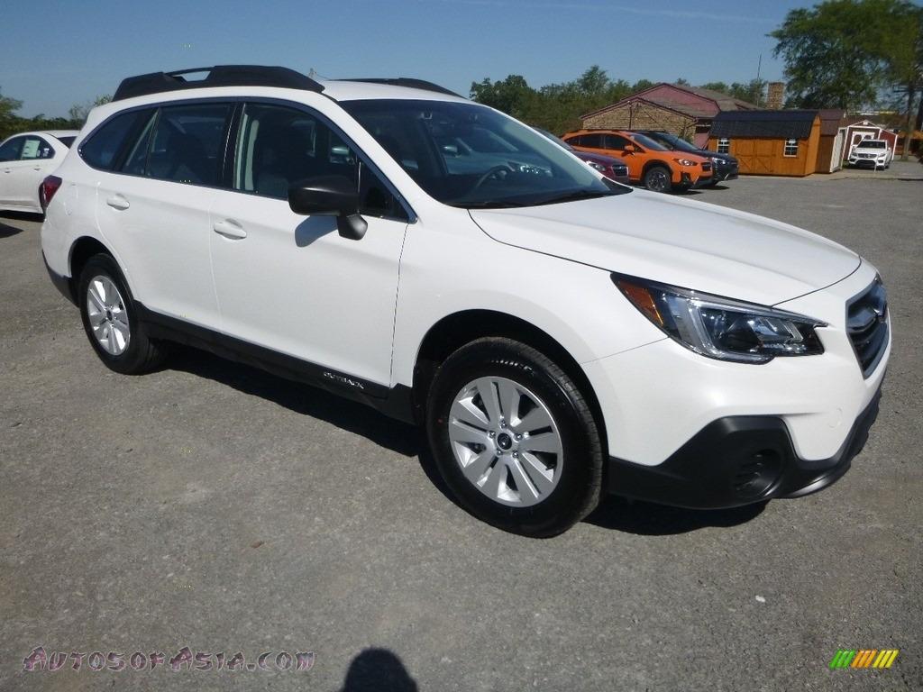 Crystal White Pearl / Slate Black Subaru Outback 2.5i