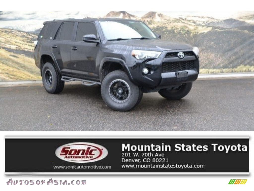 2016 4Runner SR5 4x4 - Midnight Black Metallic / Black photo #1