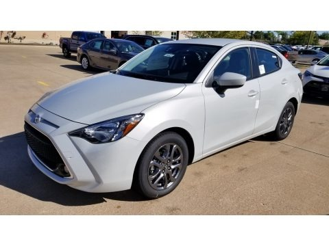 Icicle 2019 Toyota Yaris LE