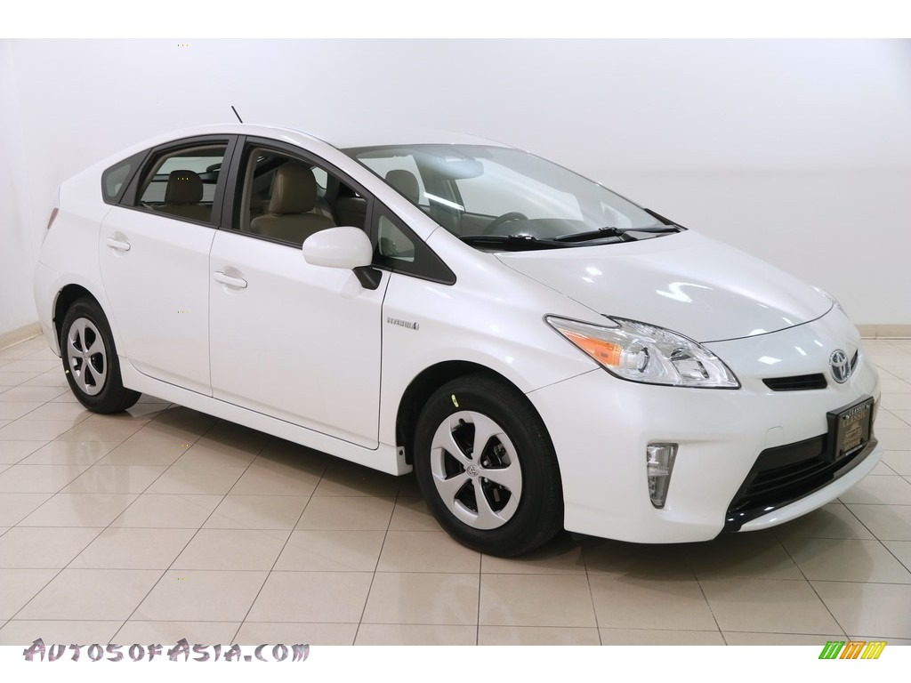 2015 Prius Four Hybrid - Blizzard Pearl / Bisque photo #1