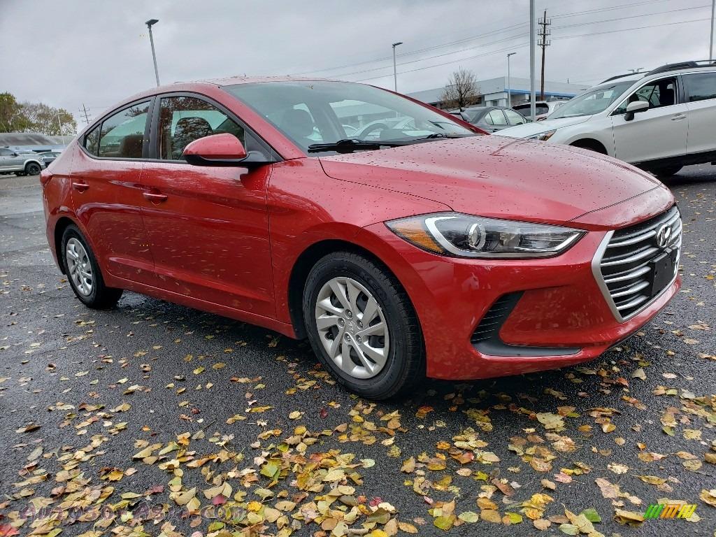 Red / Gray Hyundai Elantra SE