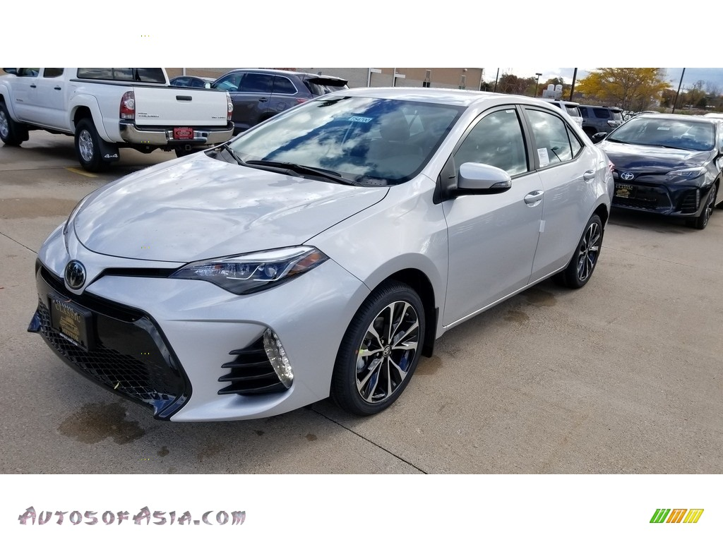 2019 Corolla SE - Classic Silver Metallic / Black photo #1