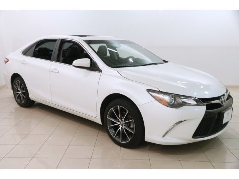 Blizzard White Pearl 2017 Toyota Camry XSE