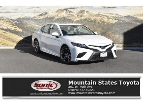 Super White 2019 Toyota Camry Hybrid LE