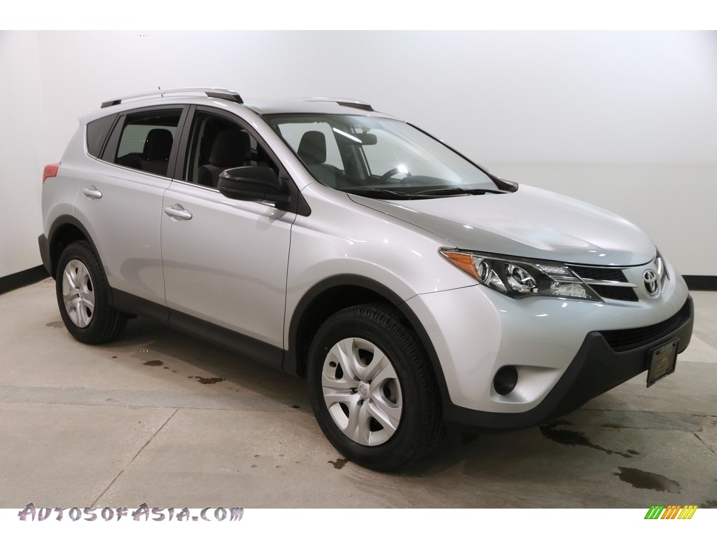 2015 RAV4 LE - Classic Silver Metallic / Ash photo #1