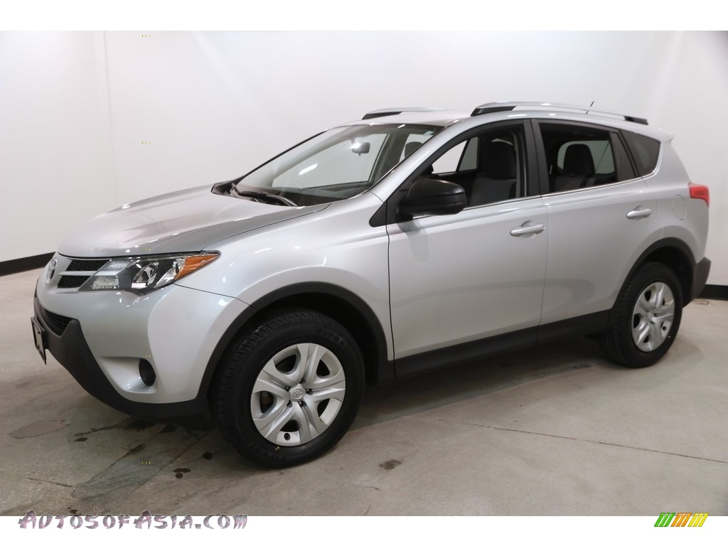 2015 RAV4 LE - Classic Silver Metallic / Ash photo #3