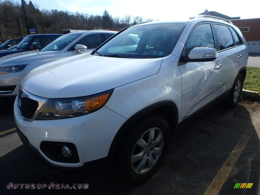 2013 Sorento LX AWD - Snow White Pearl / Beige photo #1