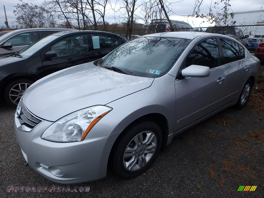 2010 Altima 2.5 S - Radiant Silver / Charcoal photo #1