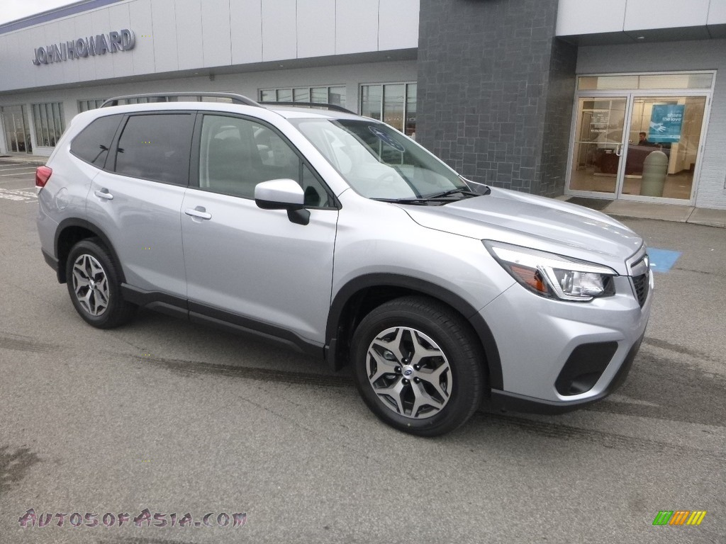 2019 Forester 2.5i Premium - Ice Silver Metallic / Black photo #1