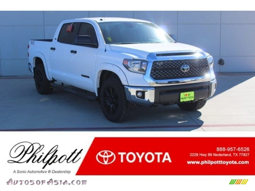 Super White / Black Toyota Tundra TSS Off Road CrewMax