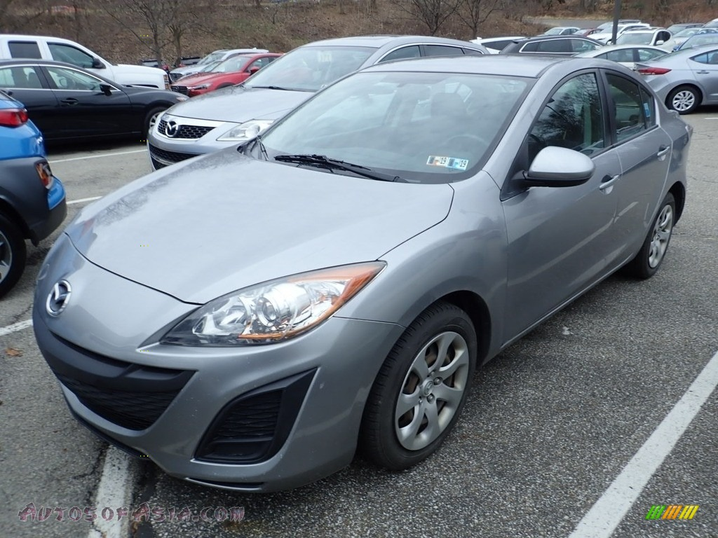 2011 MAZDA3 i Sport 4 Door - Liquid Silver Metallic / Black photo #1