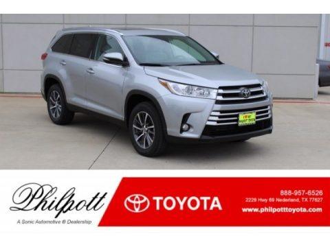 Celestial Silver Metallic 2019 Toyota Highlander XLE