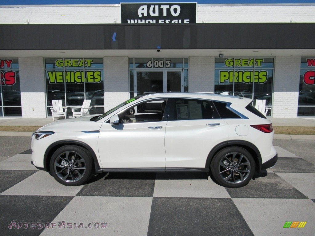 2019 QX50 Essential AWD - Lunar White / Wheat photo #1