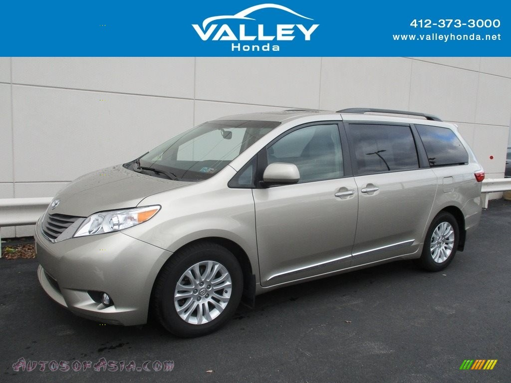 2015 Sienna XLE - Creme Brulee Mica / Bisque photo #1