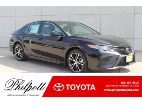 Midnight Black Metallic 2019 Toyota Camry SE