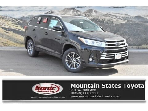 Midnight Black Metallic 2019 Toyota Highlander XLE AWD