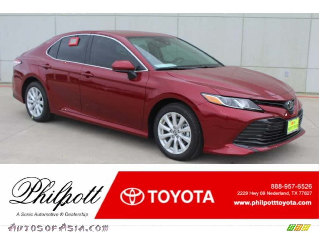 2019 Camry LE - Ruby Flare Pearl / Black photo #1