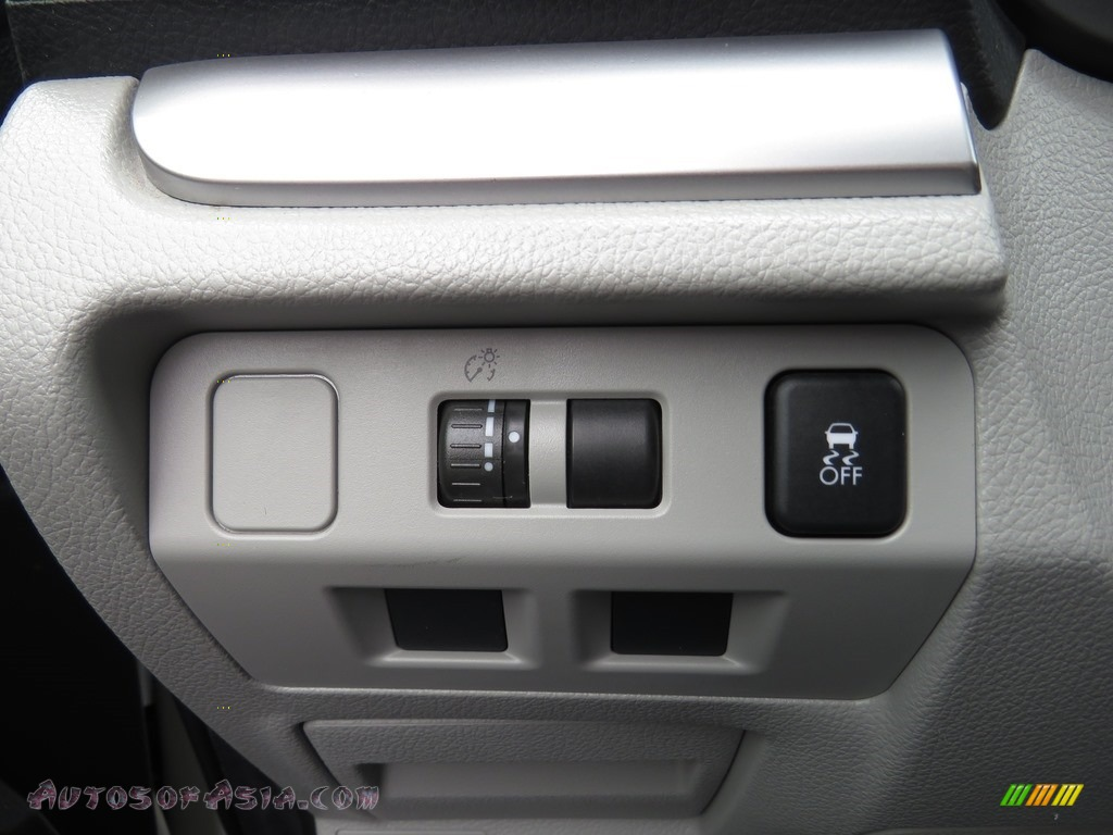 2015 Forester 2.5i - Satin White Pearl / Gray photo #17