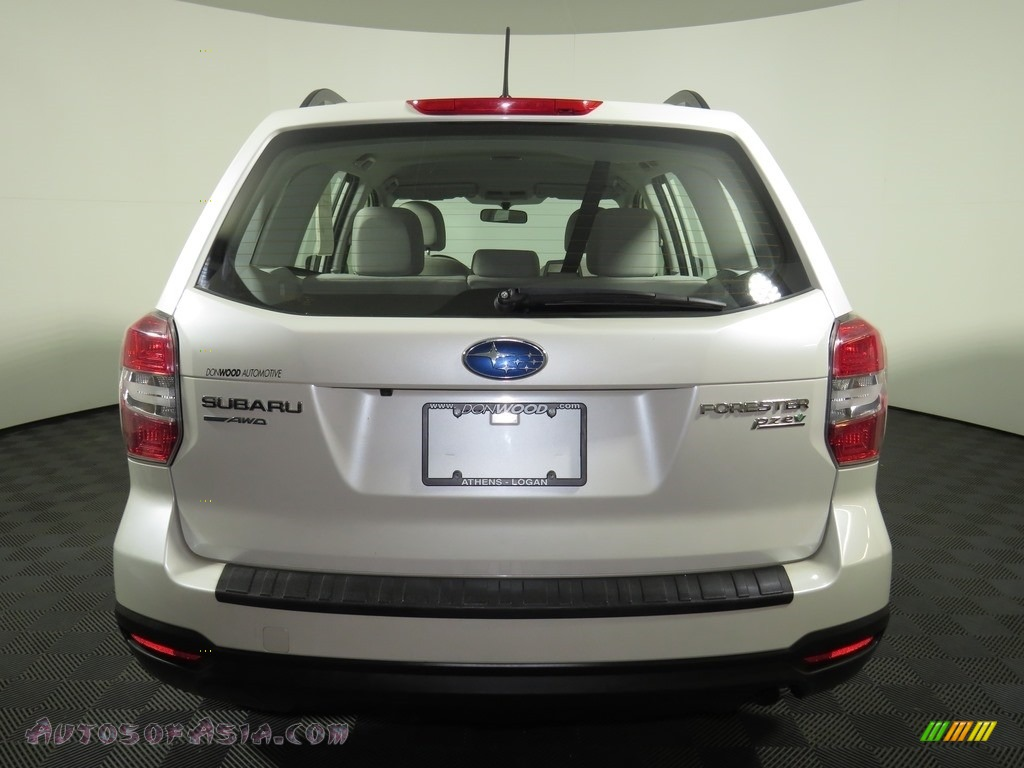 2015 Forester 2.5i - Satin White Pearl / Gray photo #23