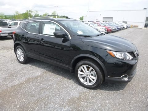 Magnetic Black Pearl 2019 Nissan Rogue Sport SV AWD
