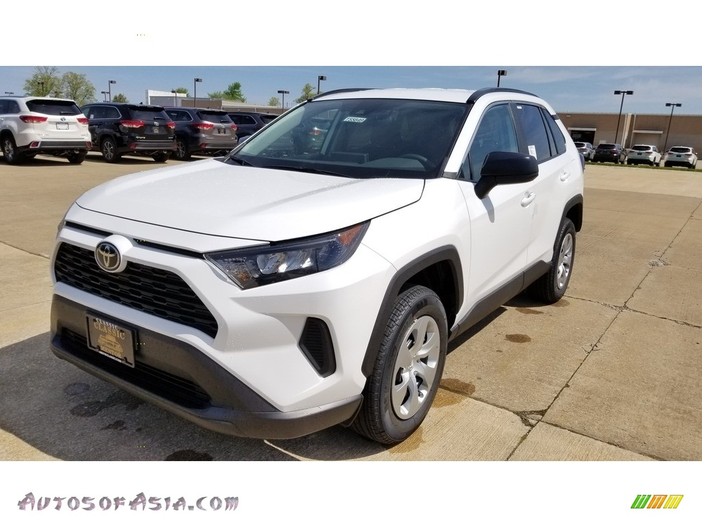 2019 RAV4 LE - Super White / Black photo #1