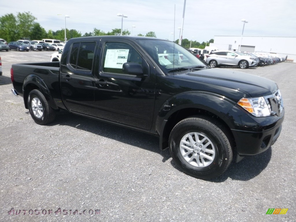 2019 Frontier SV Crew Cab 4x4 - Midnight Black / Beige photo #1