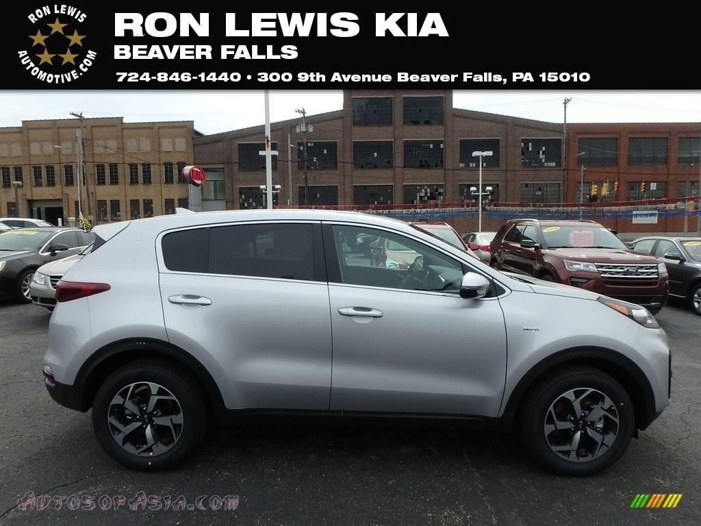 Sparkling Silver / Black Kia Sportage LX AWD