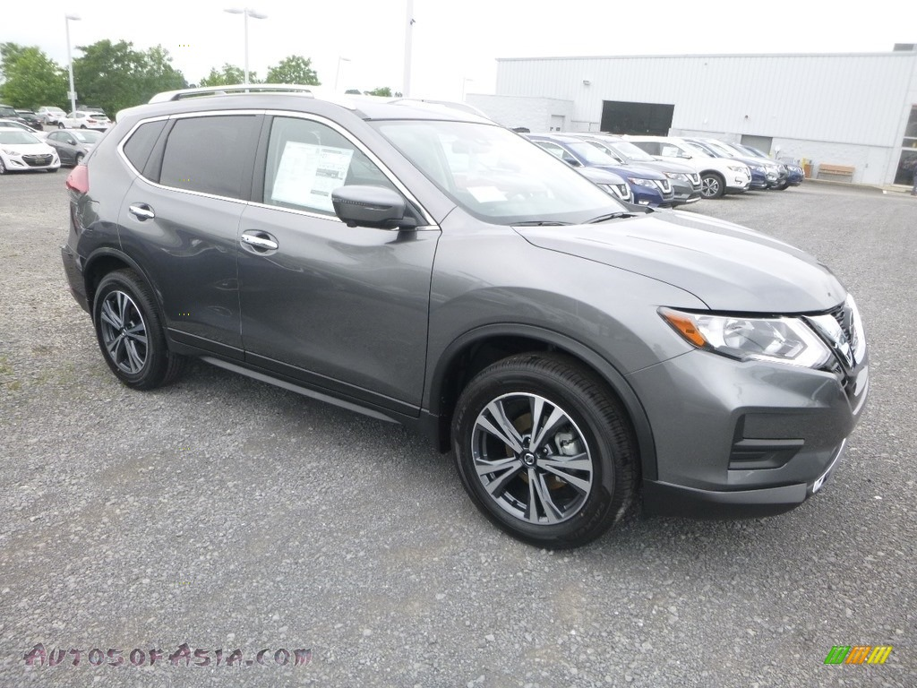 Gun Metallic / Charcoal Nissan Rogue SV AWD