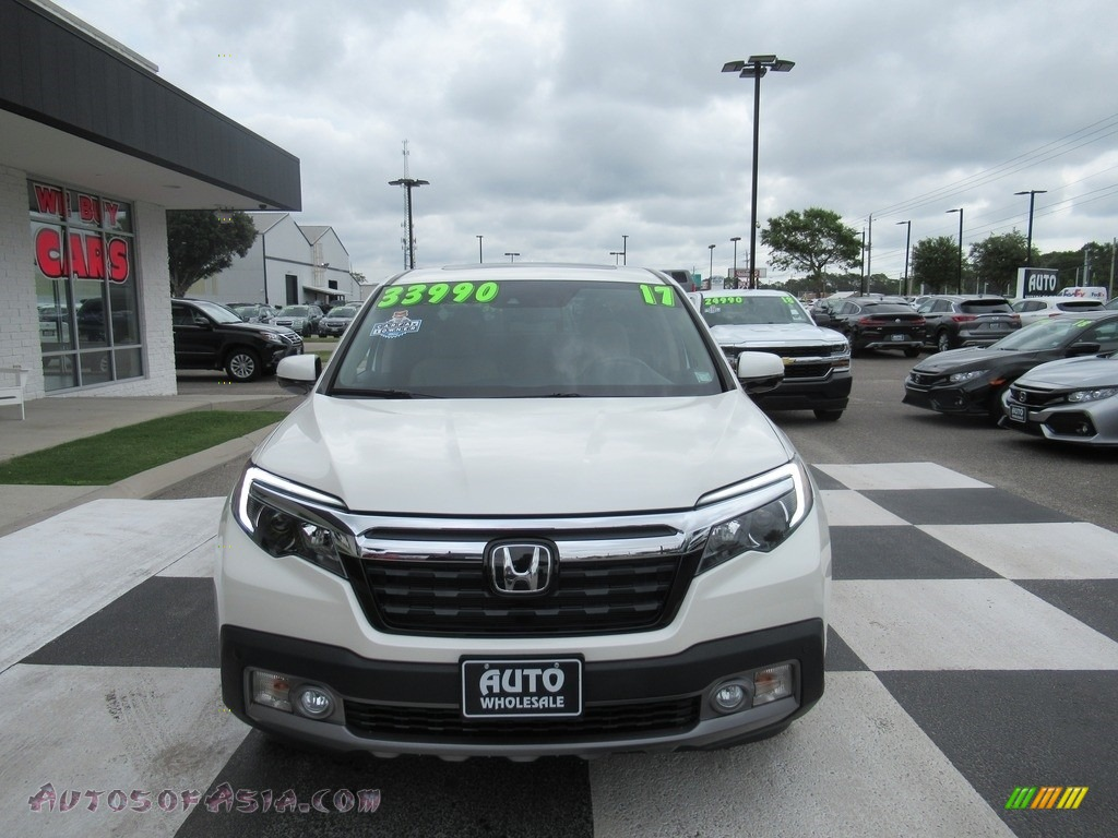 2017 Ridgeline RTL-E AWD - White Diamond Pearl / Beige photo #2