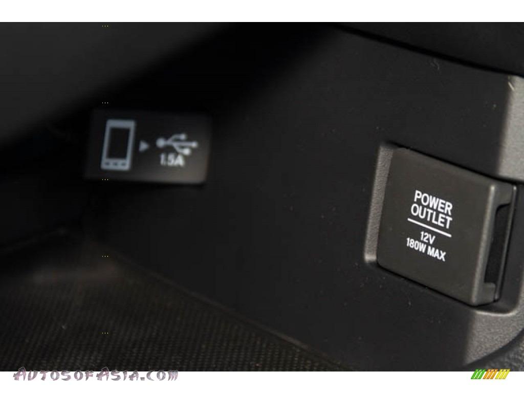 2019 Civic EX Hatchback - Polished Metal Metallic / Black/Ivory photo #31