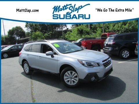 Ice Silver Metallic 2019 Subaru Outback 2.5i Premium