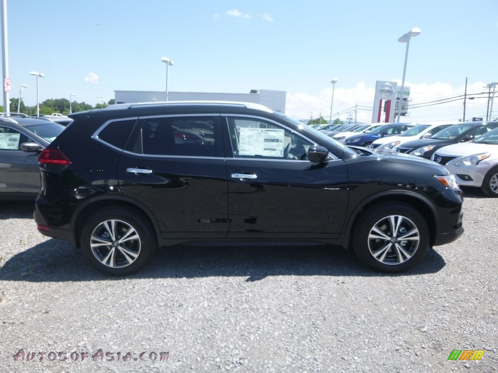 2019 Rogue SV AWD - Magnetic Black / Charcoal photo #3