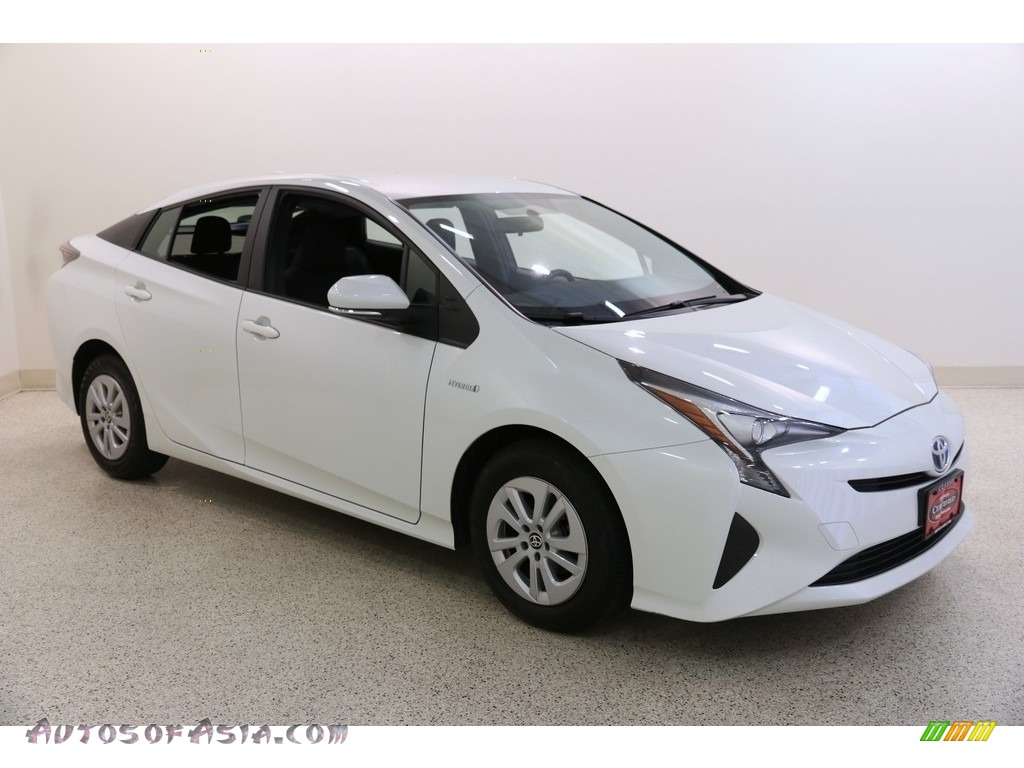 Blizzard Pearl / Black Toyota Prius Two