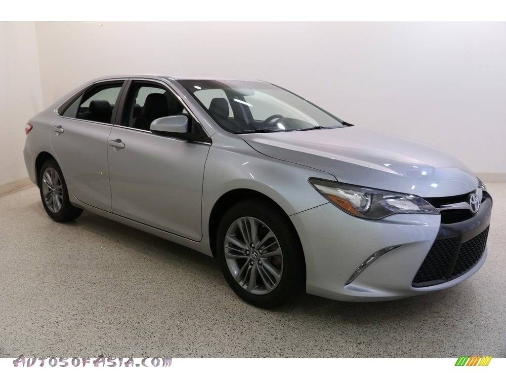 2017 Camry SE - Celestial Silver Metallic / Black photo #1