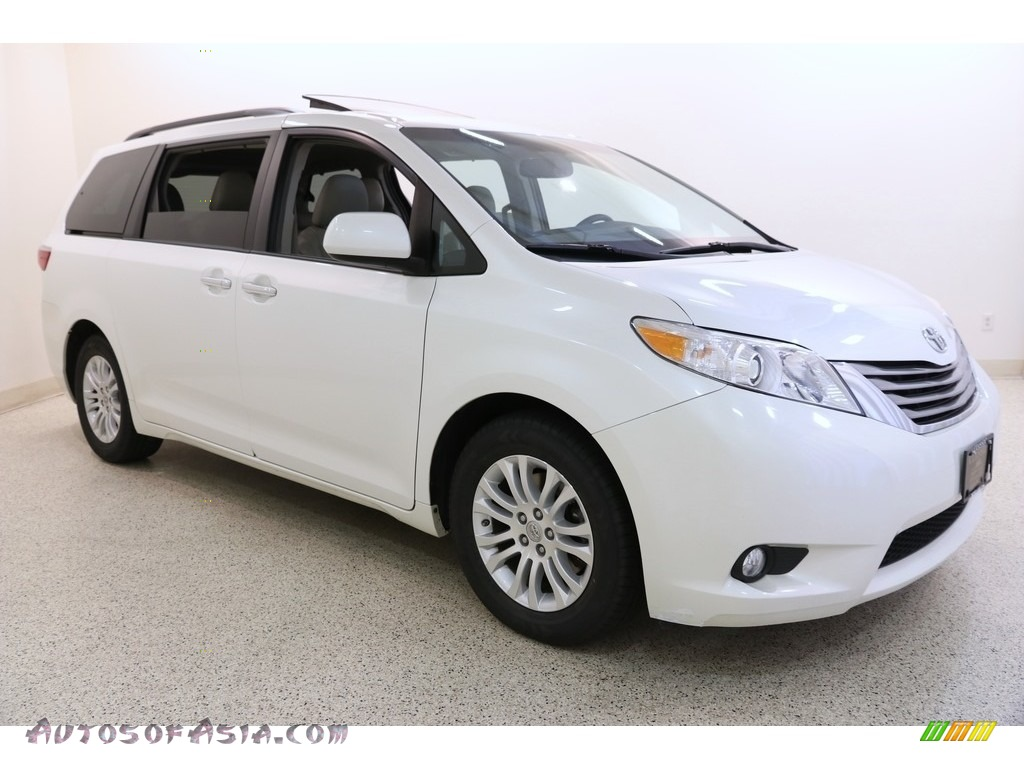 2015 Sienna XLE - Blizzard White Pearl / Bisque photo #1
