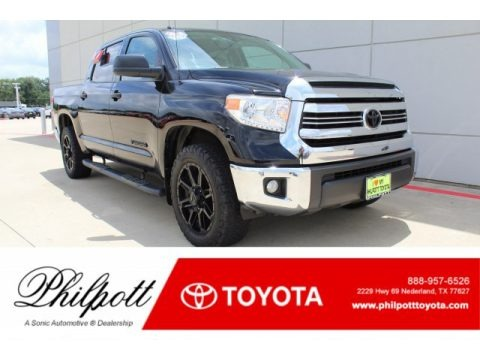 Midnight Black Metallic 2017 Toyota Tundra SR5 CrewMax