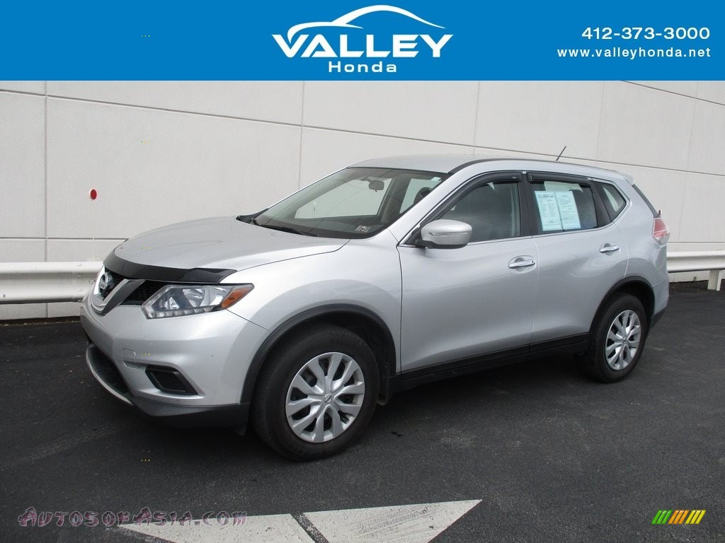 2014 Rogue SV AWD - Brilliant Silver / Charcoal photo #1
