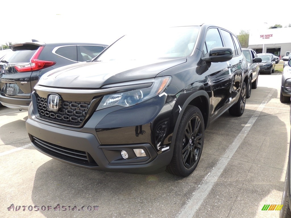 Crystal Black Pearl / Black Honda Passport Sport