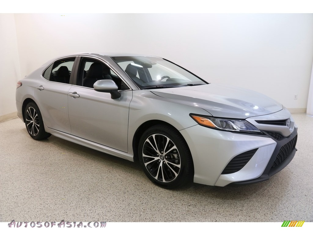 2018 Camry SE - Celestial Silver Metallic / Black photo #1
