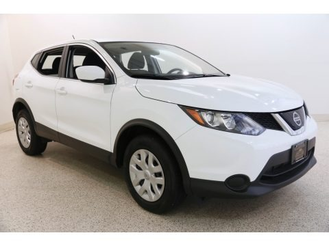 Glacier White 2019 Nissan Rogue Sport S AWD