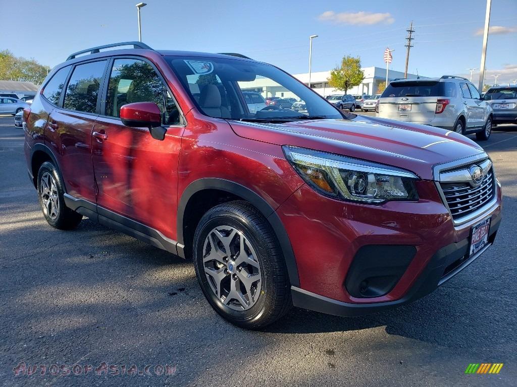 2020 Forester 2.5i Premium - Crimson Red Pearl / Gray photo #1