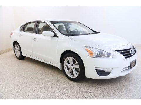 Pearl White 2013 Nissan Altima 2.5 SV