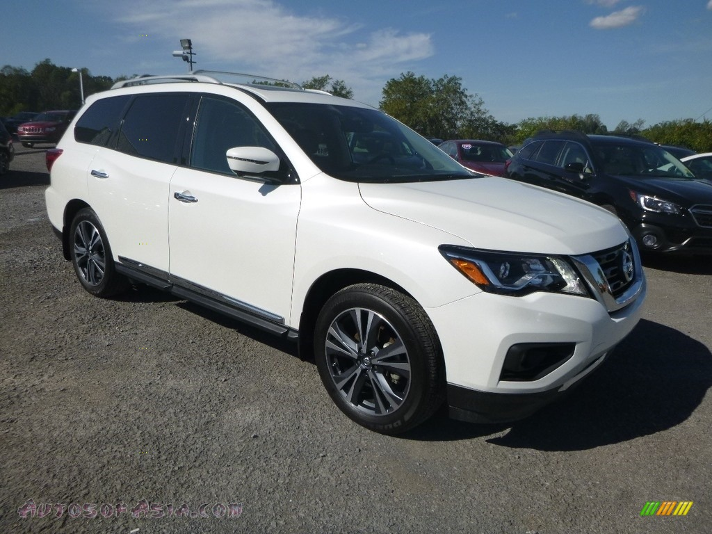 2018 Pathfinder Platinum 4x4 - Pearl White / Charcoal photo #1
