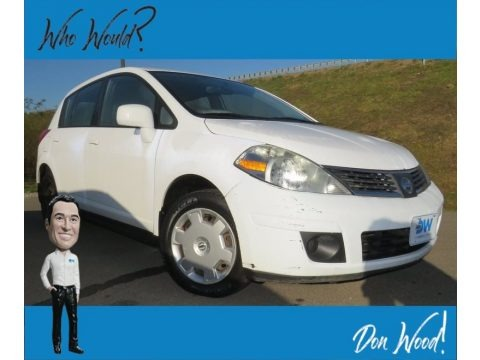 Super Black 2008 Nissan Versa 1.8 SL Hatchback