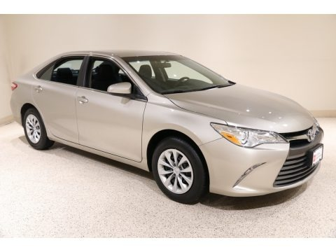 Creme Brulee Mica 2017 Toyota Camry LE