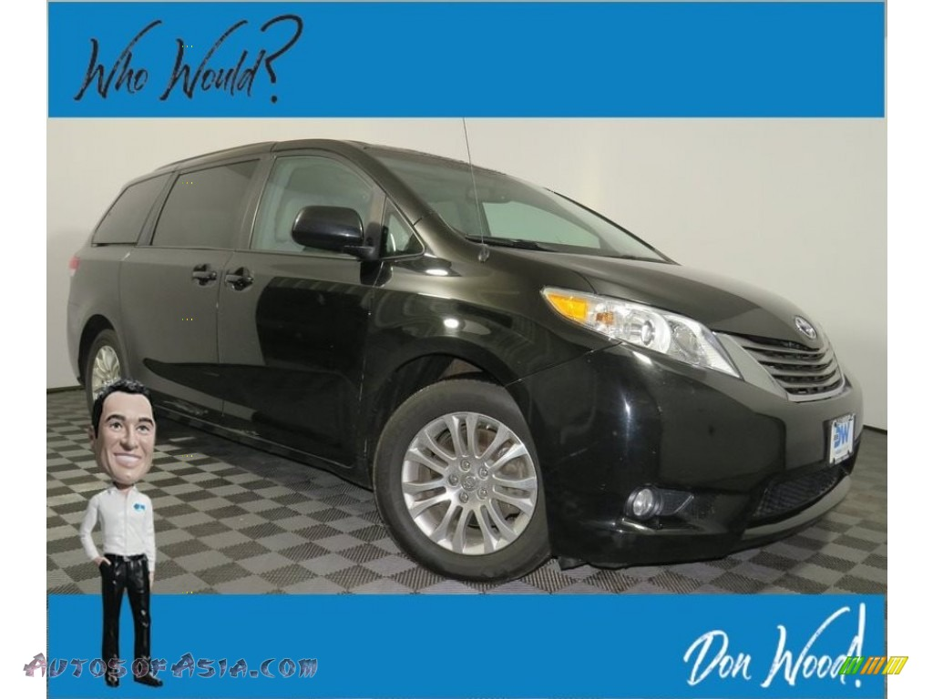 2014 Sienna XLE - Black / Light Gray photo #1
